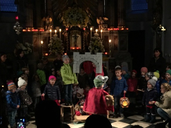 Martinsspiel in der Kirche am Martinstag