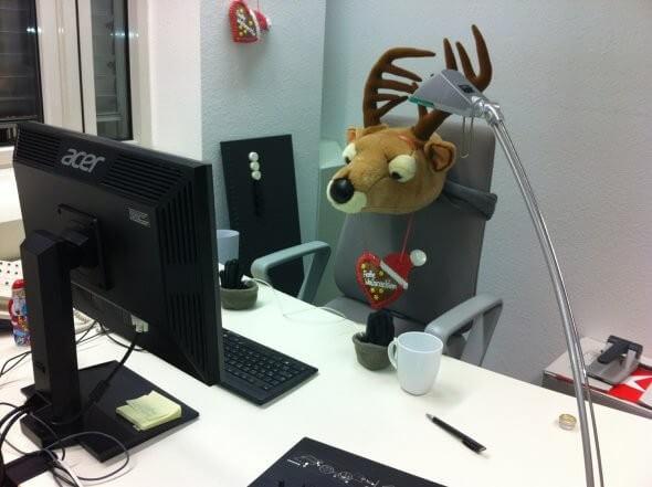 Hirschkopf Büro an Weihnachten 25. Dezember